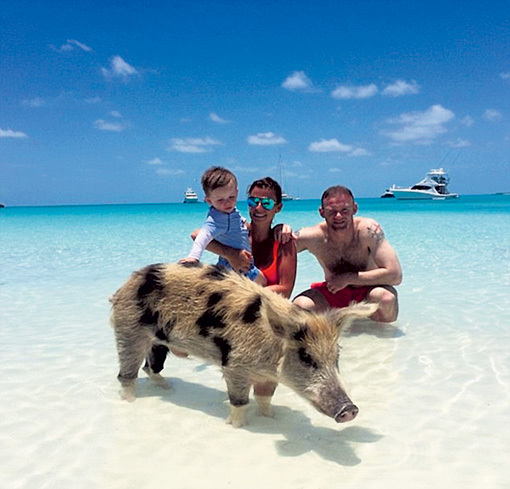 Уэйн, Колин и Кайл РУНИ купались на Багамах в тёплой компании