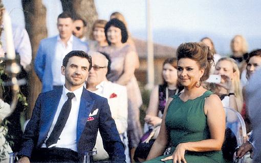 Министр-миллиардер Михаил АБЫЗОВ с женой Екатериной СИРОТЕНКО и гостями на семейной вилле в Италии