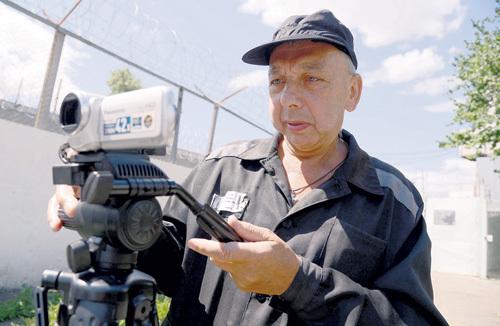Герой публикации и на зоне занялся любимым делом - снимает кино