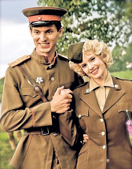 Нил в роли советского офицера, влюблённого в американку