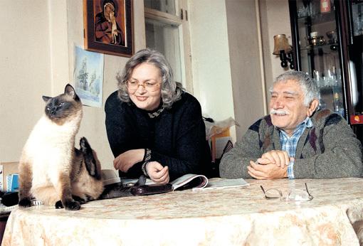 Сиамский кот Фил заменил Татьяне и Армену Борисовичу общих детей. Фото Виктора ГОРЯЧЕВА