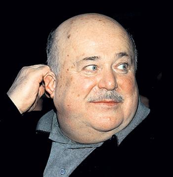 Александр КАЛЯГИН тоже не смог устоять перед молодой актрисой