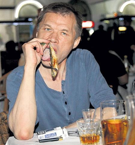 Приезжая на фестиваль «Кинотавр» в Сочи, БАШИРОВ любит полакомиться барабулькой под пивко с водочкой