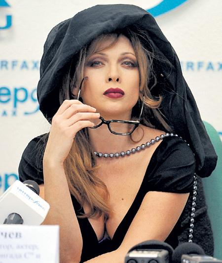 ДРОЗДОВА быстро превратилась из провинциальной девочки в роковую красавицу. Фото Олега РУКАВИЦЫНА/«Комсомольская правда»