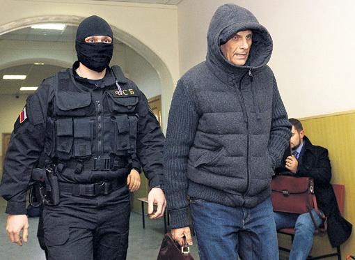 Губернатор Сахалина Александр ХОРОШАВИН за счёт взяток и откатов только от одной компании огрёб $5,6 миллиона, да ещё спустил 660 миллионов рублей на самопиар