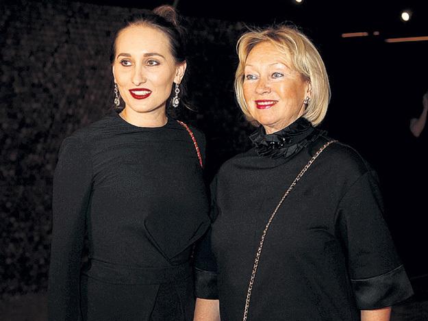 Настя и её мама Тамара с интересом наблюдали...
