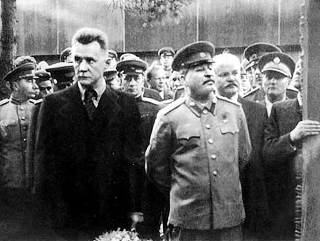 СТАЛИН при всех частенько называл КОСЫГИНА (слева) царевичем