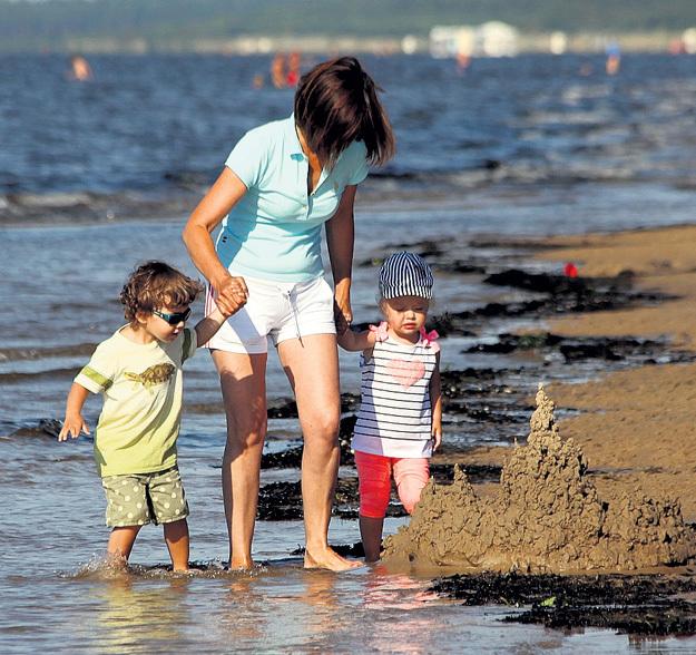 Чистое Балтийское море, янтарный, тёплый песок и фитонцидный воздух - что может быть лучше?