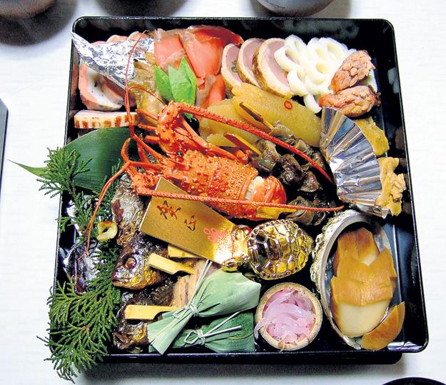 Японцы без этого новогоднего продуктового набора - никуда