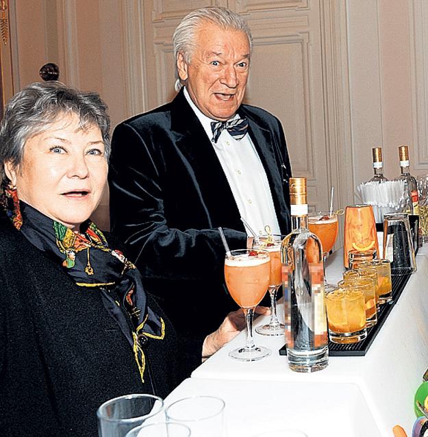Аристарху ЛИВАНОВУ и его Ларисе очень понравились алкогольные коктейли