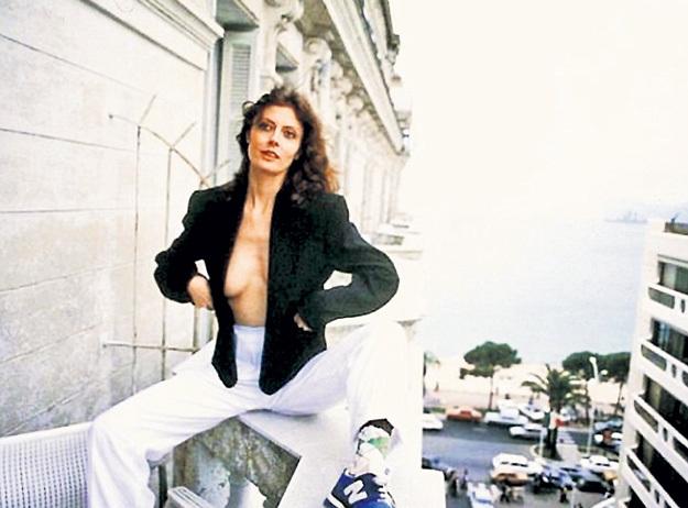 В 1978 году в Каннах САРАНДОН приходилось лезть из кожи вон, чтобы её заметили фотографы