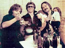 ЮРИЙ АНТОНОВ ЗАКУСЫВАЕТ: у &#034Аракса&#034 для хорошего человека всегда имелось пиво &#034Жигулевское&#034 и водочка за 3,62