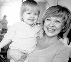 МАМА И ДОЧЬ: для Ирины Настенька - главный стимул встать на ноги