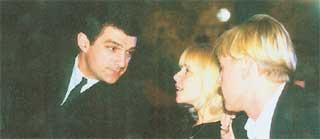 КИРИЛЛ И ВЕРА: испытали свой брак на прочность (справа - Дмитрий Харатьян, но он к нашей истории не имеет никакого отношения)