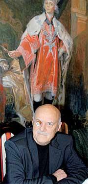 СТАНИСЛАВ ГОВОРУХИН: глазом открывал бутылки на фоне портрета Павла I