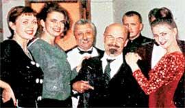 ФОТО, ПОДПИСАННОЕ ЯКУБОВИЧЕМ: &#034На память о революционной юности и шалостях с тремя Крупскими и одним Троцким&#034