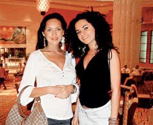 НА ОТДЫХЕ: в элитном отеле певицу навестила подруга Рафаэлла