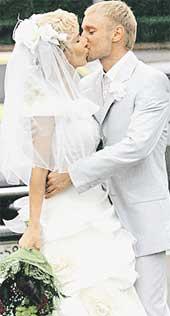 СВАДЬБА: первые официальные поцелуи Лены и Леши