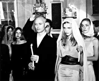 ВЕНЧАНИЕ: происходит во Владимирском соборе Санкт-Петербурга. До этого брак Натальи и Джастина зарегистрировали в мэрии Лондона