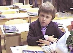 ПЕРВОКЛАШКА МАЙК: понимает, что школа - дело серьезное