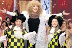 ПРИМАДОННА: спела «Арлекино» с сестрами Машей и Настей Толмачевыми