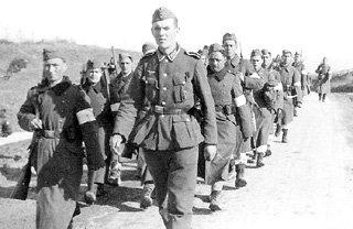 Под командованием немцев отряды крымских полицаев рьяно охотились за евреями и большевиками