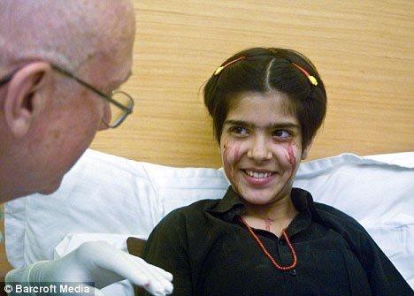 Доктор Джордж Бачанан не может объяснить причину странной болезни Твинкл. Фото: Daily Mail