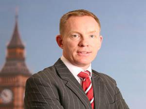Брачный союз заключили британский министр по европейским делам Крис Брайант и его коллега по лейбористской партии Джаред Крэнни.