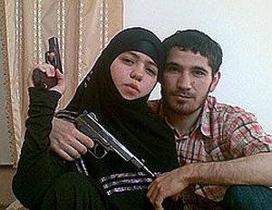 Первая шахидка-смертница - 17-летняя Дженнет Абдурахманова, вдова лидера дагестанских боевиков Умалата Магомедова.