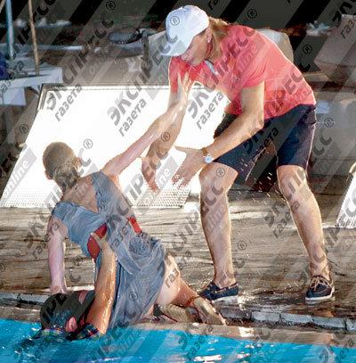 Выбраться из воды Светлане помогли сотрудник гостиницы и милый друг
