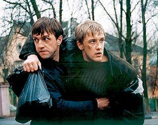 В кино ГОРОБЧЕНКО часто играет крутых парней (в фильме «Бумер» с Владимиром ВДОВИЧЕНКО)
