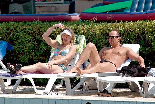 Елену Алексеевну всегда окружают обалденные мужики (на отдыхе с Дмитрием НАГИЕВЫМ)