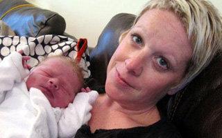 Британка Фиона СТАР-СТОУН провела прямую онлайн-трансляцию своих родов