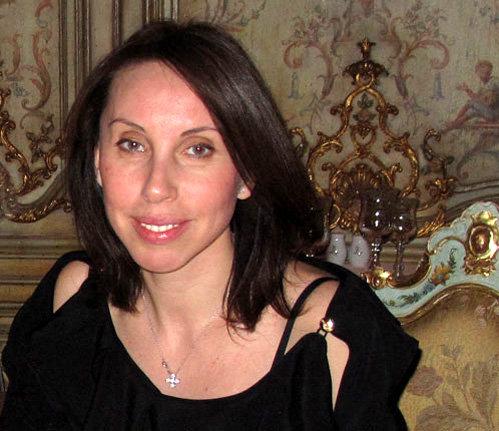 Законная супруга Валерия Ирина говорит, что не собирается разводиться с блудным мужем