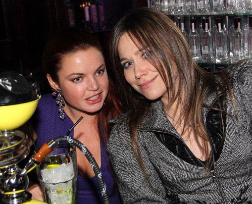 Марина ЛИЗОРКИНА (справа)
