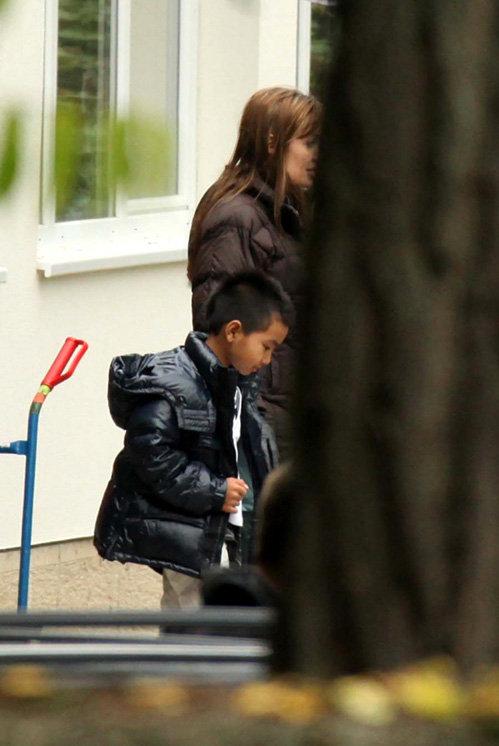 Дети звезды пойдут в венгерские школу и десткий сад - фото Socialite Life