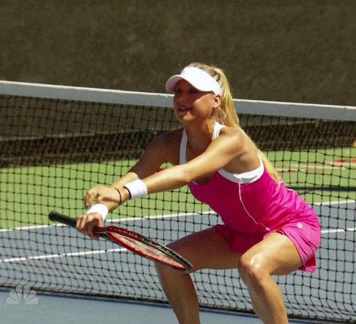 Теннисистка показала толстякам, как правильно тренироваться, чтобы сбросить максимум калорий