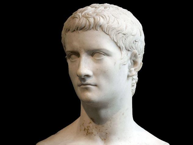 Калигула. Мраморный бюст. Рим, I век н. э. Музей Метрополитен, Нью-Йорк. Источник: wikipedia.org