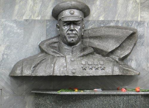 Памятник Жукову в Харькове. Фото: wikimedia.org