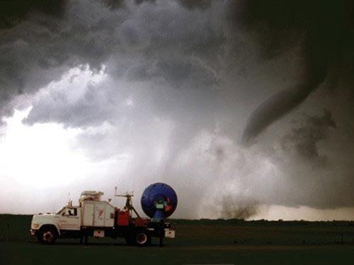 Ученые понимают, что не могут контролировать погодные явления. wikipedia
