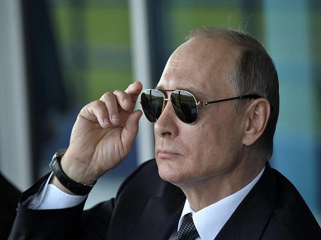 Журнал Time поместил Путина наобложку нового номера