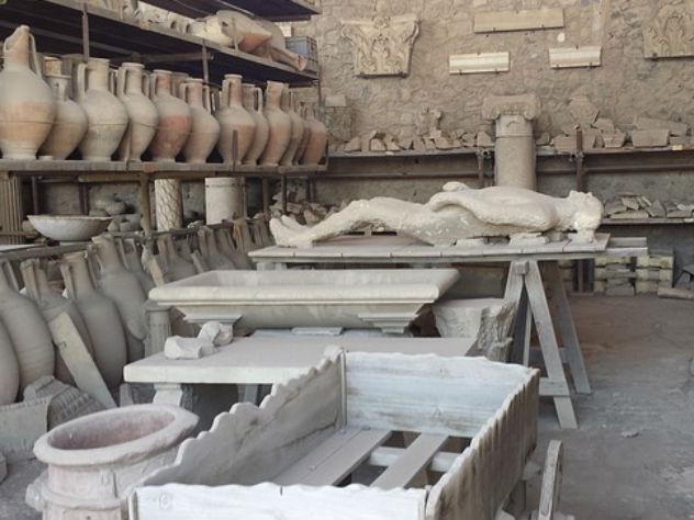 ВПомпеях обнаружили захоронение организатора гладиаторских боев
