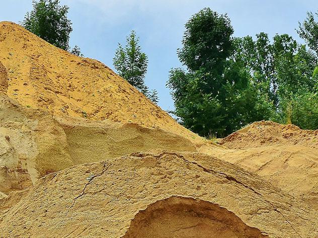 3-х летний ребенок скончался под завалами песка