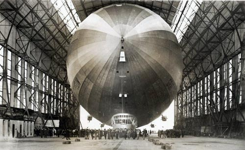 Дирижабль Graf Zeppelin. wikimedia