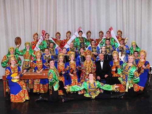 Коллектив Фольклорного центра под руководством Людмилы Рюминой. wikipedia
