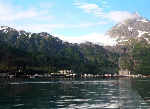Вид на порт, Уиттиер, штат Аляска, США. wikimedia
