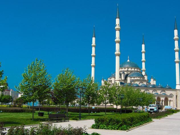 Петербург занял 27-е место всписке самых чистых городов Российской Федерации