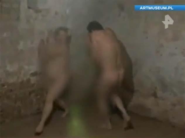 ВПольше устроили шоу голых живописцев вгазовой камере концлагеря Штутгоф