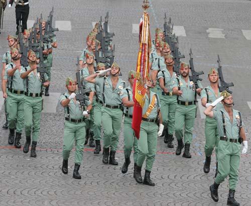 Испанский полк «Дон Хуан де Аустрия» на выезде – Париж, Елисейские поля, 14 июля 2007 года. wikimedia