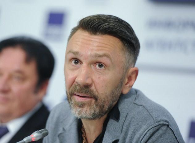 Сергей Шнуров много времени проводит в спортзале